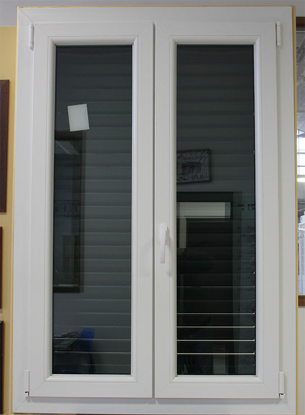 Showroom porte finestre accessori a granarolo dell for Infissi in pvc bianco effetto legno